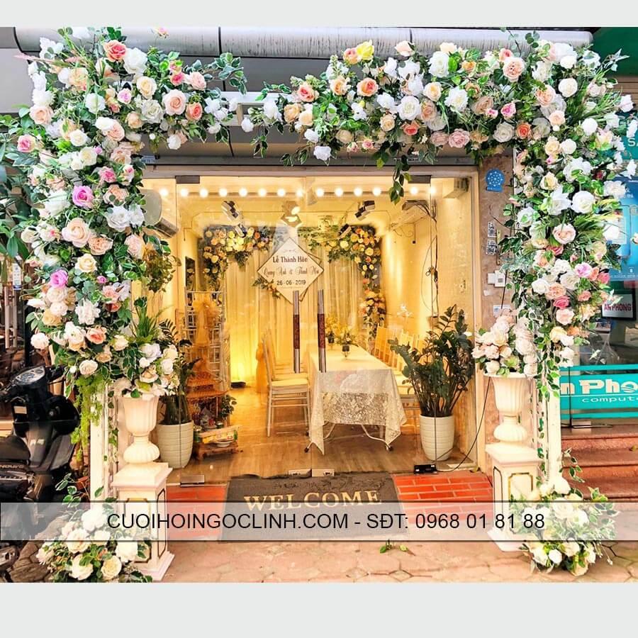cổng hoa cưới băng hoa tươi