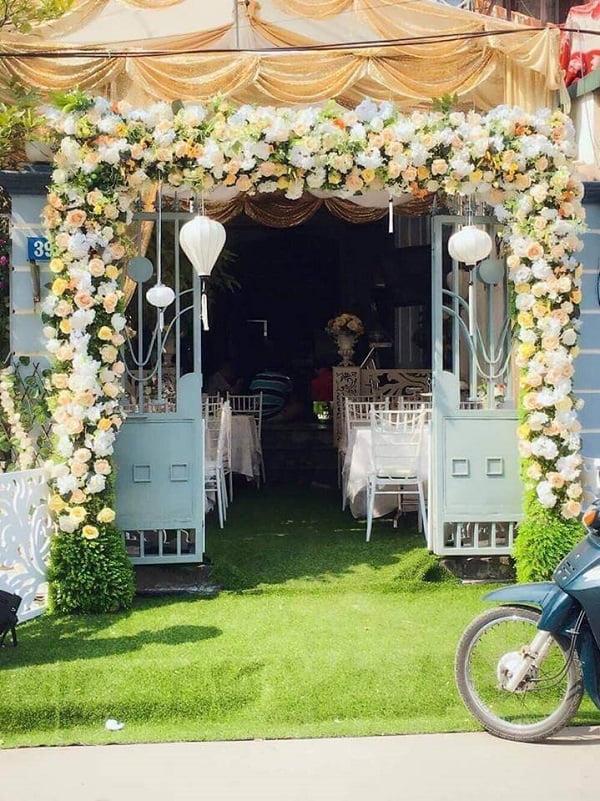 cổng hoa cưới mua ở đâu