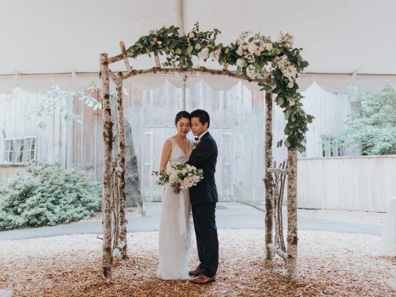 Cách làm cổng hoa cưới