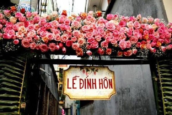 Cổng hoa cưới bằng hoa lan hồ điệp