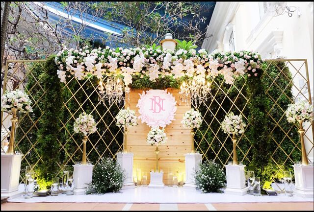 Phông cưới hoa tươi