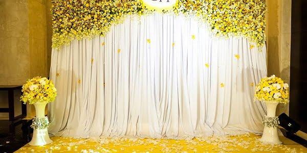 Phông cưới màu vàng