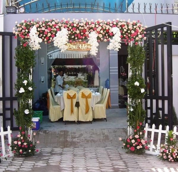 Cổng hoa cưới mini
