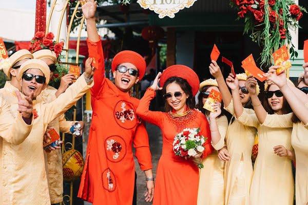lễ đính hôn là gì