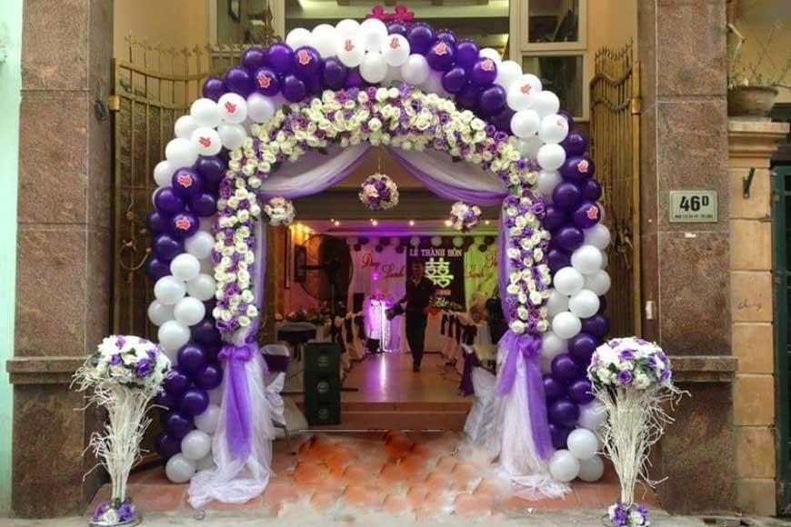 cổng cưới làm bằng bóng bay