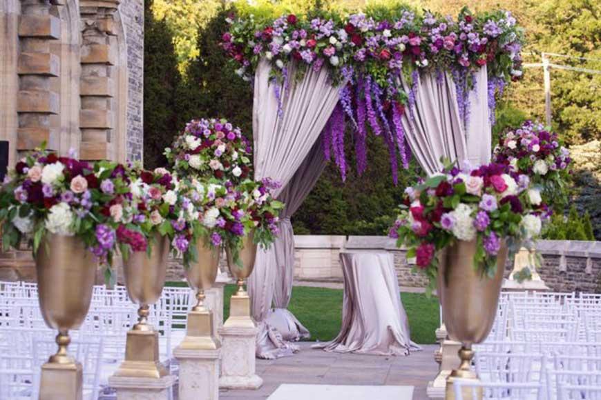 hình ảnh cổng cưới màu tím