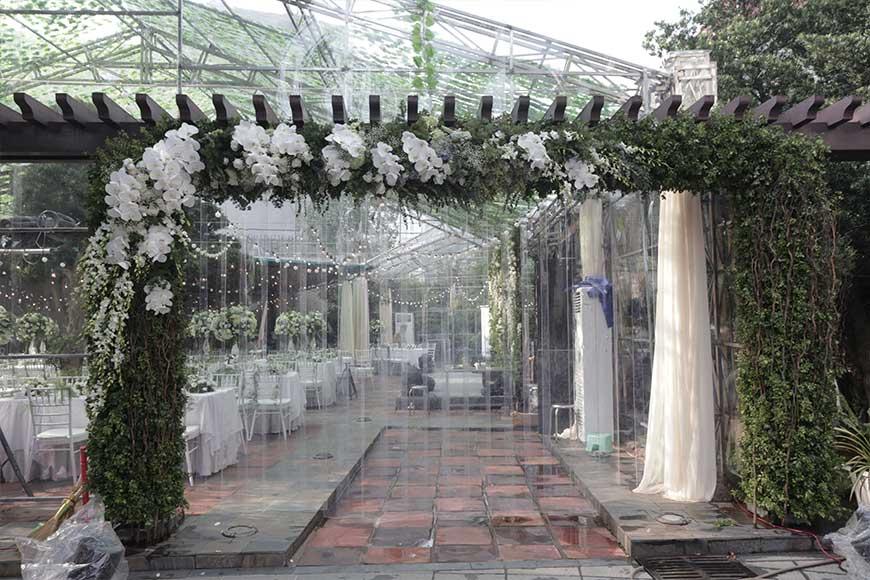 cổng cưới màu trắng đẹp tuyệt vời