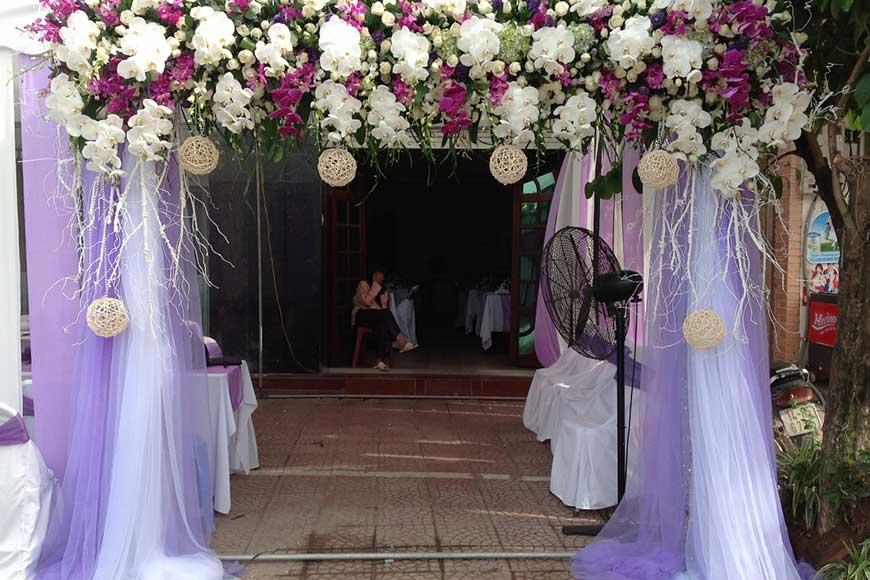mẫu cổng hoa bằng vải lụa