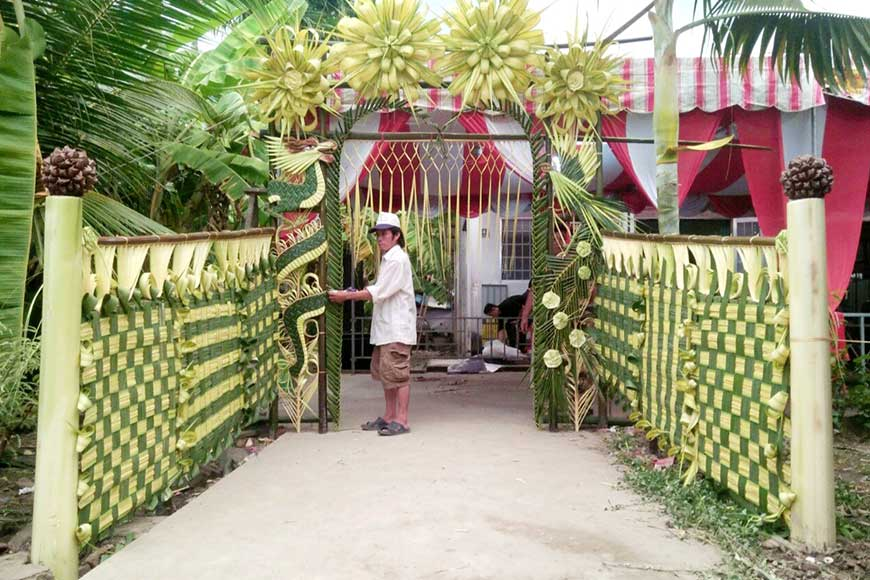 cổng hoa đám cưới bằng lá dừa