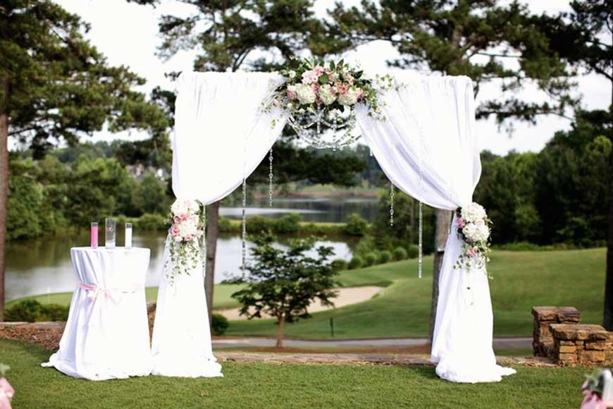 cổng hoa cưới làm bằng giấy
