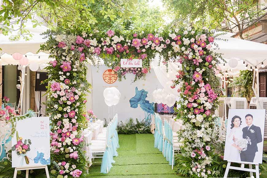 cổng hoa cưới bằng hoa tươi đẹp
