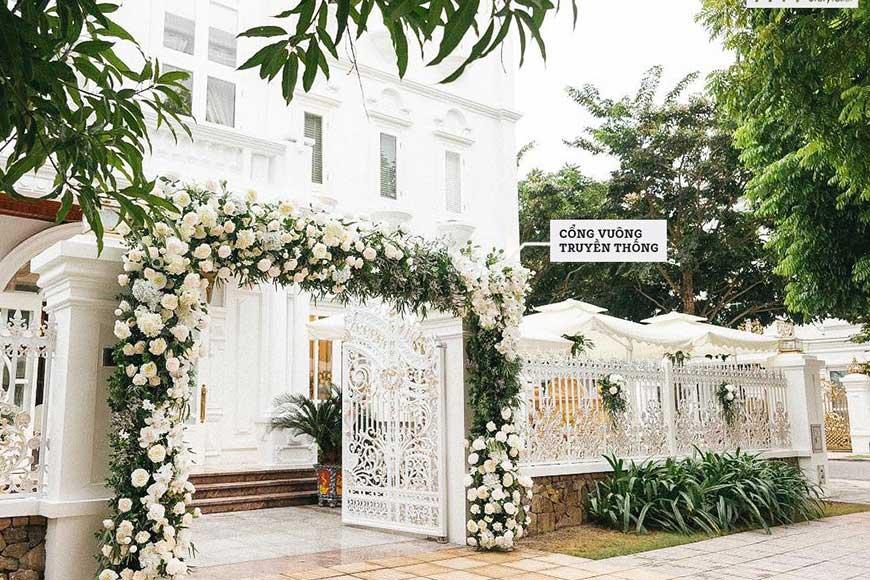 hình ảnh cổng hoa cưới màu trắng
