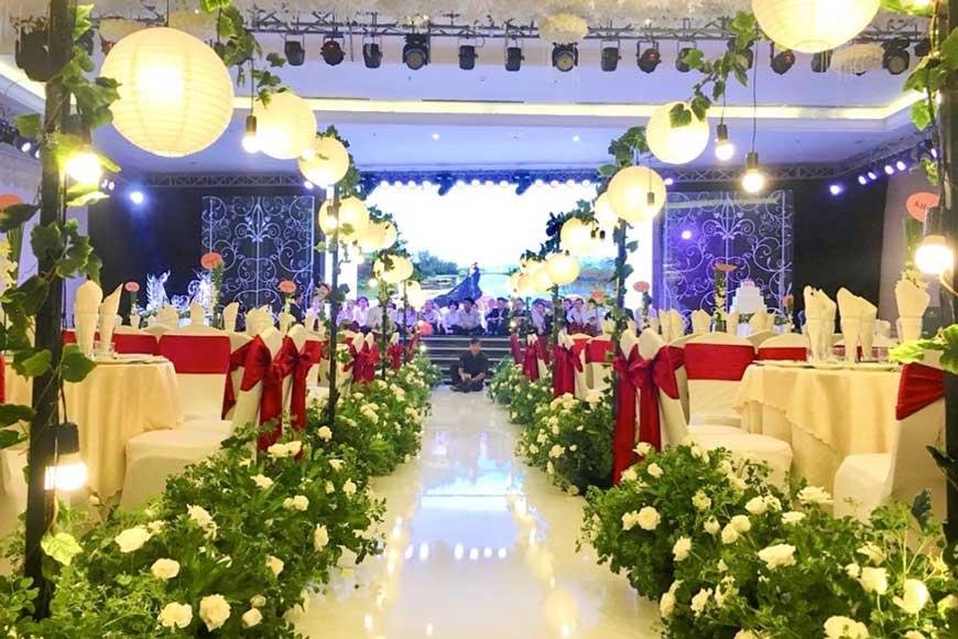 cổng tiệc cưới màu xanh