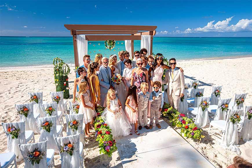 hình ảnh đám cưới ngoài biển đẹp