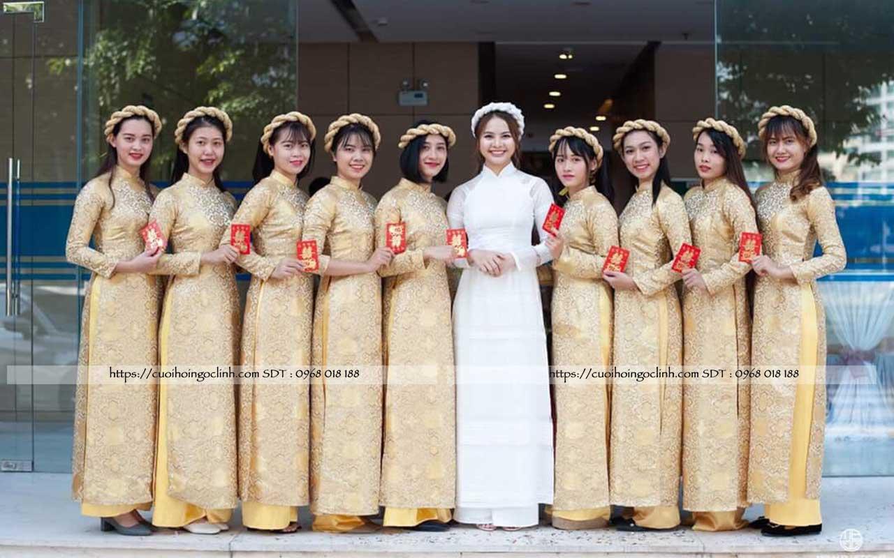 hình ảnh đội hình bê tráp nhà gái trong ngày lễ ăn hỏi