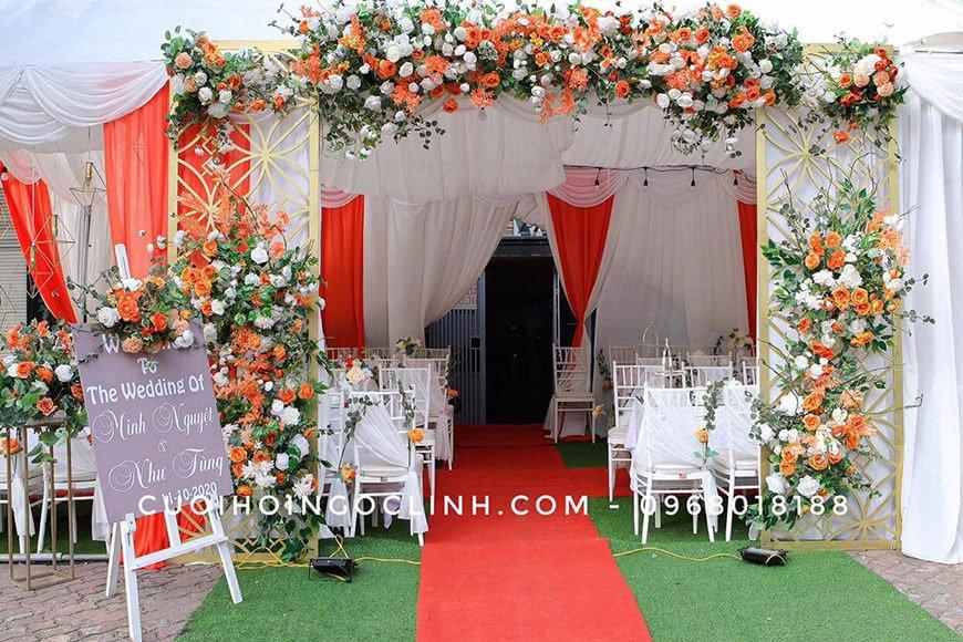 mẫu cổng hoa cưới ngoài trời
